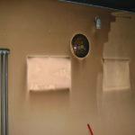 Prima e dopo: pulizia muri dalla fuliggine lasciata dall'incendio