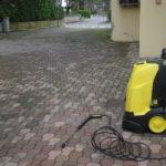 Lavaggio mattonelle pavimenti esterni