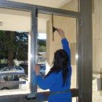 Utilizziamo prodotti professionali per lavare i vetri