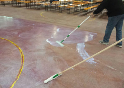 Pulicasa esegue trattamento pavimento in cemento Palacubo