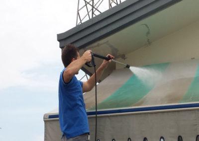 lavaggio della tenda da esterno