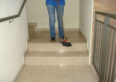 pulizia di mantenimento scale di condomini