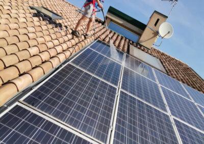 Pulire pannelli fotovoltaici con osmosi