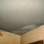 Differenza tra parete lavata e parete sporca di fuliggine